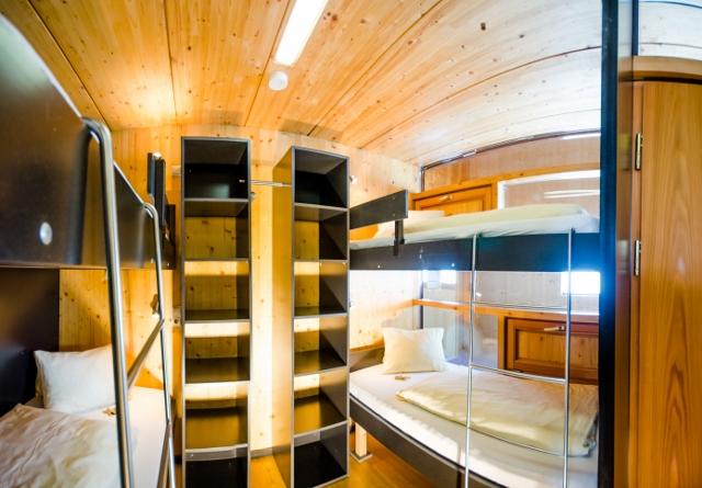 Holzboxen-Schlafzimmer-07–®Planneralm-Alm8_DSC2219-Bearbeitet (640×445)